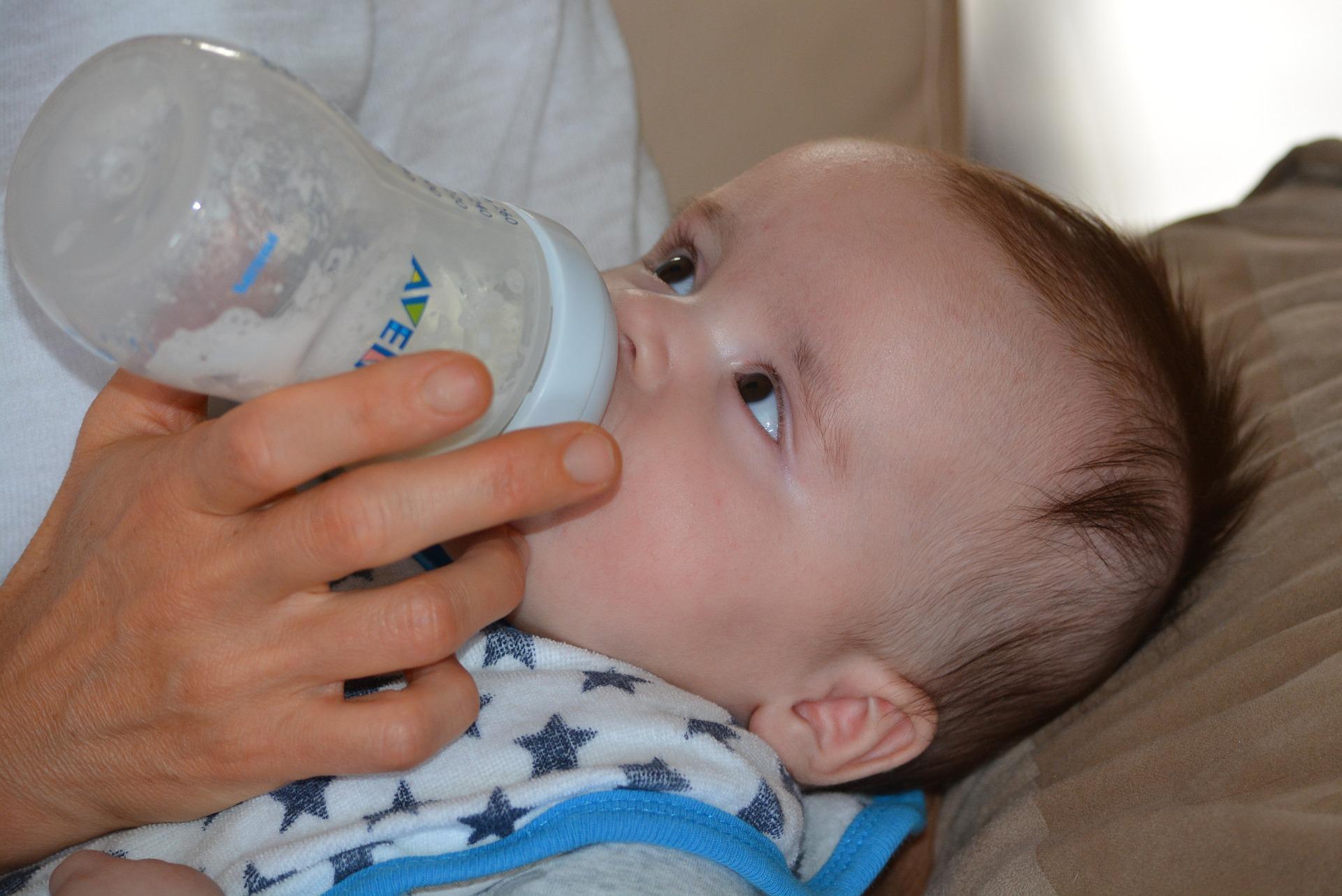 哺乳瓶の消毒/人気の方法は?なぜ必要?いつまで必要?
