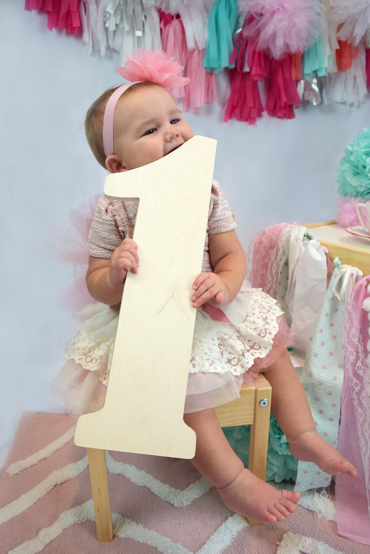 1歳の誕生日プレゼント/おすすめ12選!選び方のポイントは3つ!