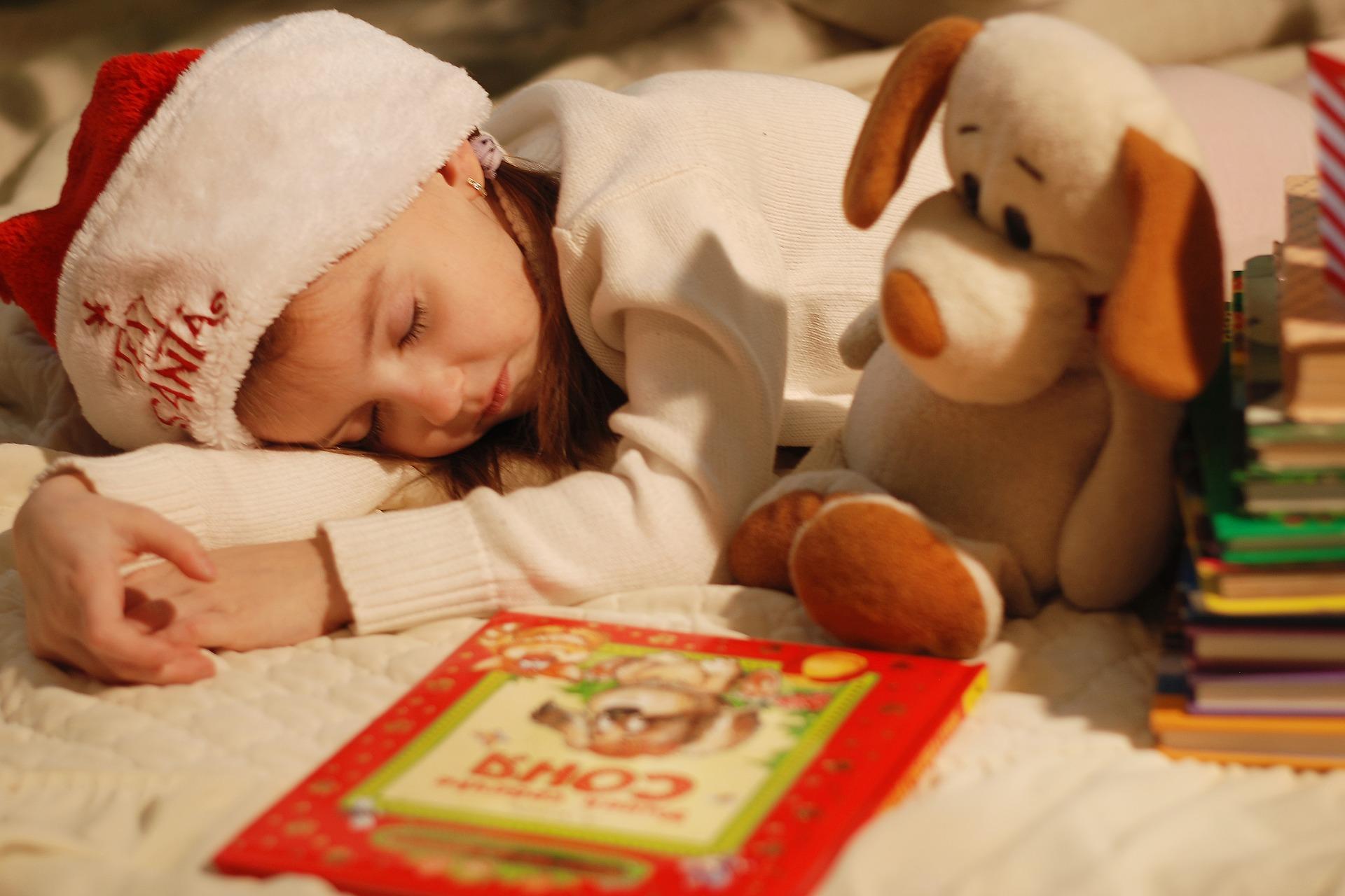 クリスマスの絵本/幼稚園児には何が人気?3〜6歳、年齢別のおすすめ紹介!
