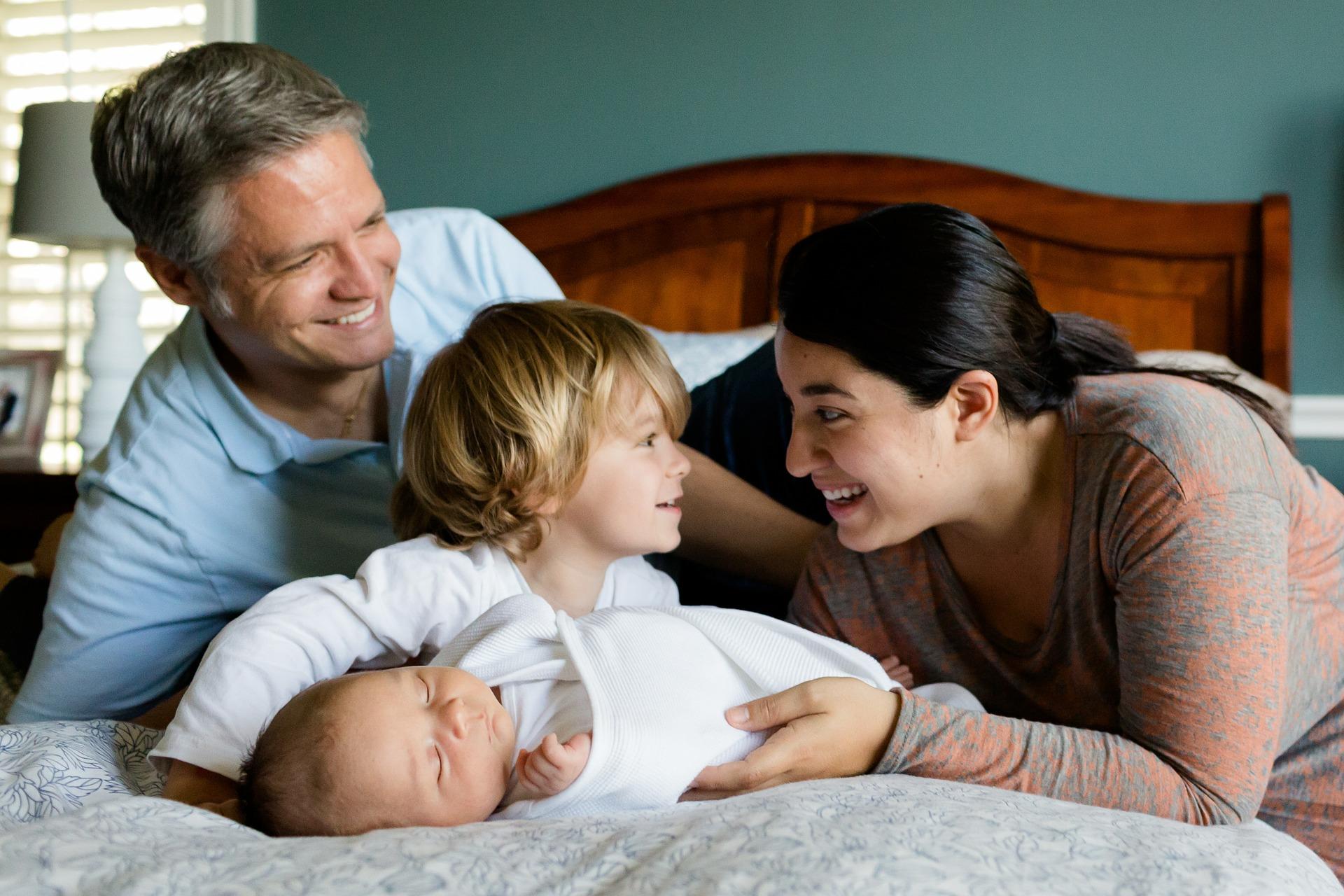 新生児・赤ちゃんの寝かしつけに私が試した方法とアイテム!効果のあり・なしを評価